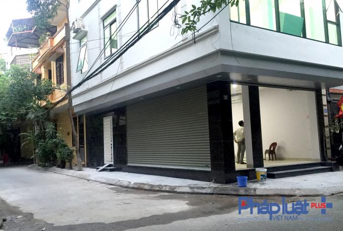 Từ khi ngôi nhà số 26, ngõ 1, phố Phạm Tuấn Tài, phường Dịch Vọng Hậu, quận Cầu Giấy cải tạo, xây dựng đã làm khuất tầm nhìn của người tham gia giao thông.