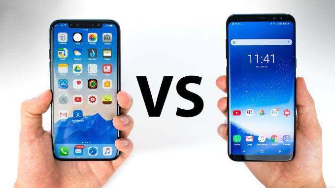 Thiết kế của iPhone X tỏ ra mạnh mẽ hơn với một khung thép không gỉ. Ngược lại, Galaxy S9 trông đẹp long lanh nhưng lại mong manh hơn đối thủ của mình.