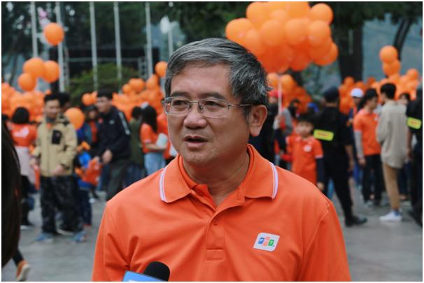 """Ông Bùi Quang Ngọc, Tổng Giám đốc tập đoàn FPT cho biết: """"Được khởi xướng từ năm 2010, FPT chọn ngày 13/3 hàng năm là ngày FPT vì cộng đồng để mỗi cán bộ, nhân viên FPT đóng góp một phần nhỏ bé cho xã hội bằng những hành động cụ thể, đồng thời nuôi dưỡng và lan tỏa lòng nhân ái đến với những hoàn cảnh khó khăn trong xã hội"""