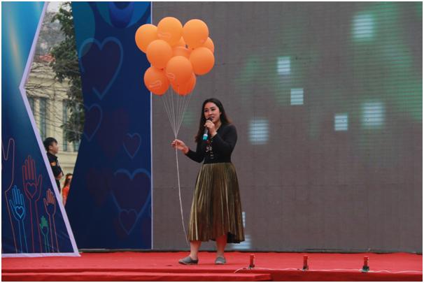 Ca sĩ Bảo Trâm tham gia chương trình và mang đến những ca khúc sôi động.