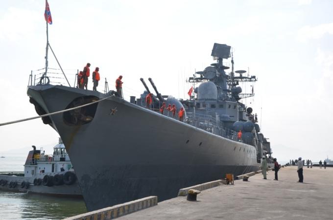 Đội tàu khu trục chống ngầm của Hải quân Liên bang Nga cập cảng Tiên Sa.
