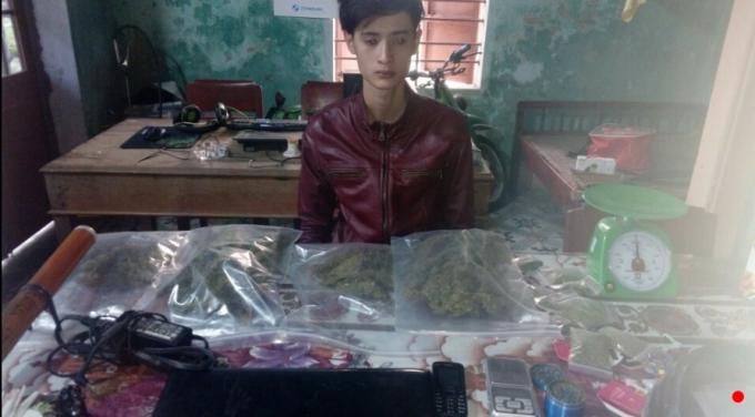 Đối tượng Lê Văn Long và hơn 600 gram cần sa.