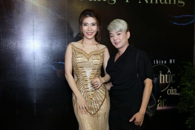 Ca sĩ Vũ Hà đến từ rất sớm để ủng hộ cô em gái ra mắt MV mới