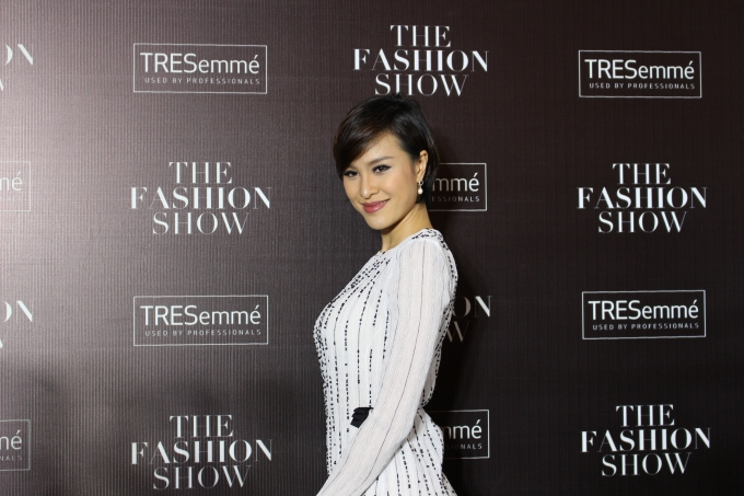 Thêm một thiết kế khác của NTK Hoàng Tú được diện bởi nữ người mẫu/diễn viên Phương Mai (Ảnh: Phương Thảo)
