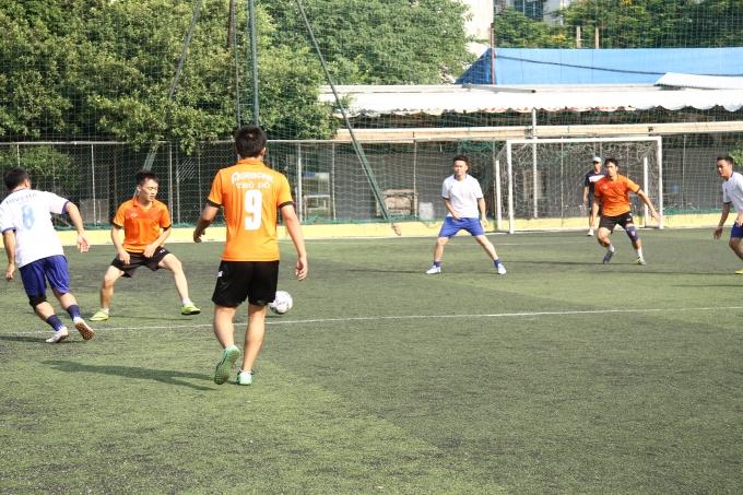 Trận đấu giữa đội Ngân hàng Aribank Thủ đô và Long Giang Land.