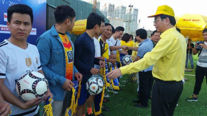 Khai mạc giải bóng đá tranh Cúp Trung Thành lần thứ V chào mừng kỷ niệm ngày Báo chí Việt Nam