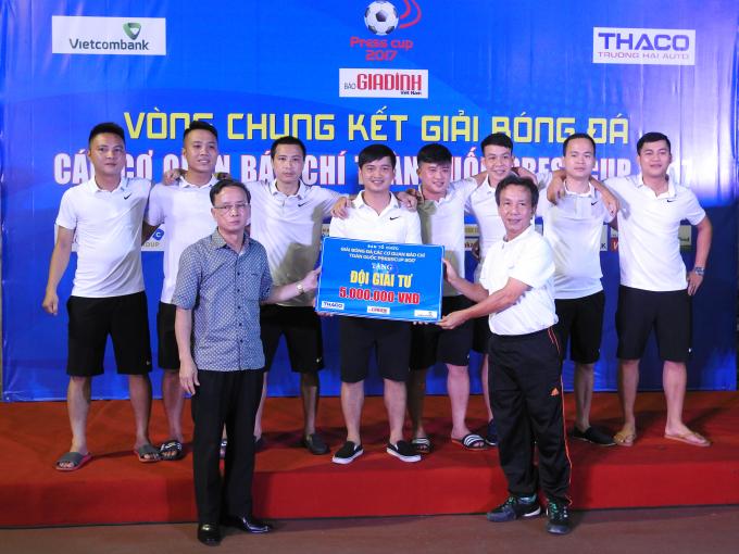 Đội Liên quân báo chí Thanh Hóa đoạt giải tư.
