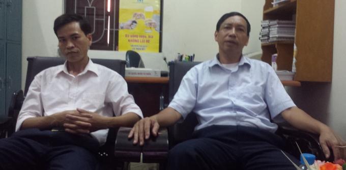 Bí Thư xã ông Bùi Đình Đông (bên phải) và Chủ tịch UBND xã ông Đỗ Văn Hậu (bên trái) cùng khẳng định đơn khiếu nại của ông Phạm Văn Thoan là không có căn cứ.