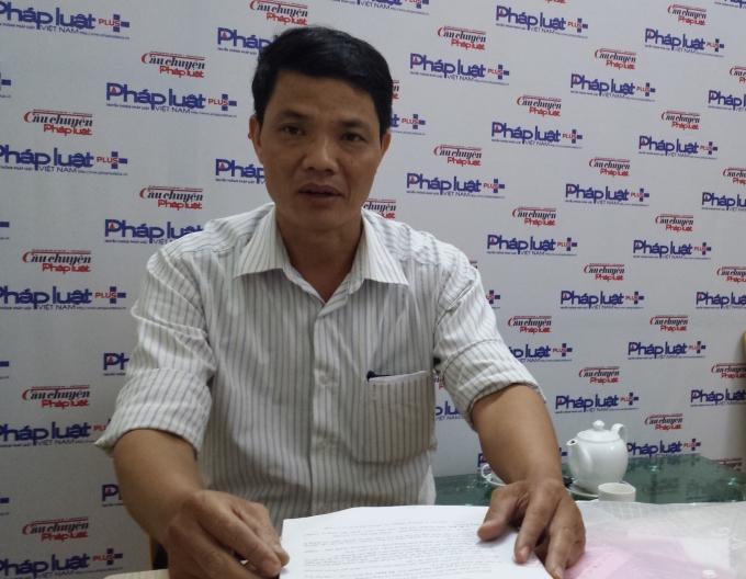Ông Dương Văn Tân trình bày với phóng viên về những