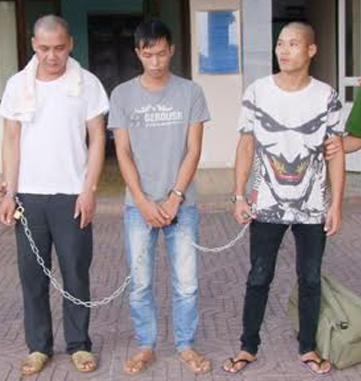 3 trong số 5 đối tượng được dẫn giải về Thanh Hoá.