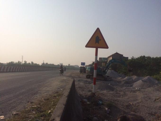 Một phần tiện tích đất thu hồi của bà con để làm đường quốc lộ 1A.