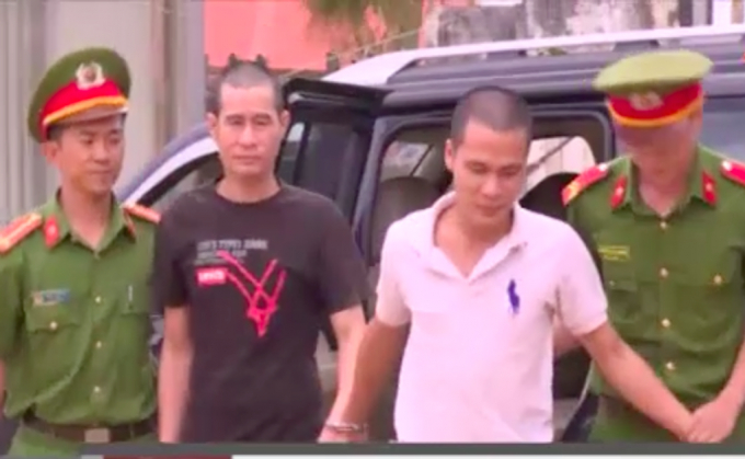 2 đối tượng Lê Quốc Dũng, Võ Minh Đông bị bắt về hành vi cướp tài sản.