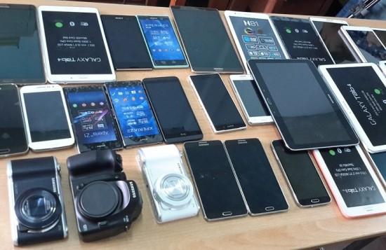 Đối tượng đột nhập trộm toàn bộ điện thoạismartphone của anh Hùng (ảnh minh hoạ)