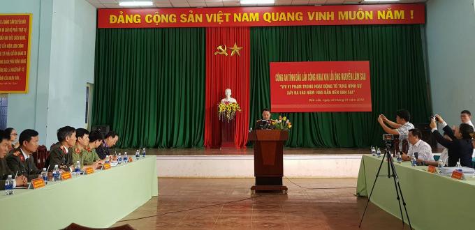 Đại diệnCông an tỉnh Đắk Lắk thông tin về nội dung buổi xin lỗi.