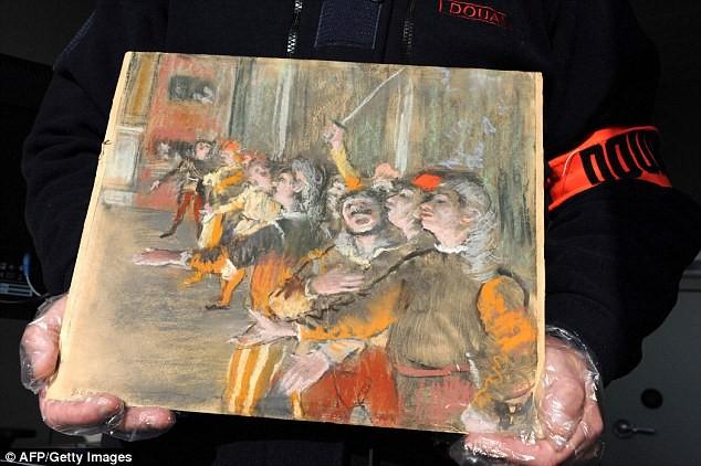 """Cận cảnh bức """"Les Choristes"""" (Những ca sĩ của dàn hợp xướng) vừa được tìm thấy một cách tình cờ đến… bất ngờ."""