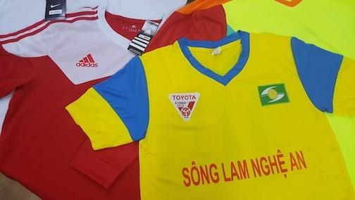 Trang phục thi đấu dành cho các cầu thủ của 4 đội bóng tham dự cúp Tứ hùng tháng 5 do VNA Sports tài trợ.