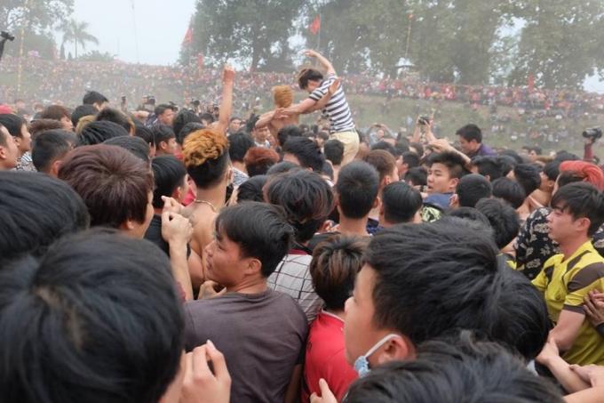 Lễ hội phết Hiền Quang được bắt đầu vào 14h.