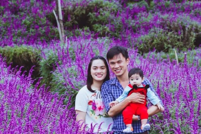 Những khoảnh khắc đáng nhớ tại cánh đồng hoa của gia đình bạn Thanh Vân. Ảnh: Nguyễn Thắng.