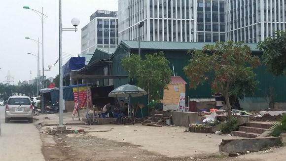 """Những cửa hàng, gara ô tô,… xung quanh quán bia """"Bò tơ Tây Ninh"""" nằm trong dự án"""