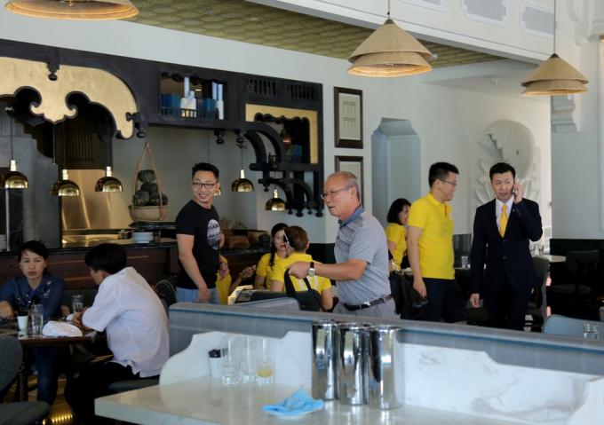 HLV U23 Việt Nam Park Hang Seo tại JW Marriott Phú Quốc Emerald Bay.