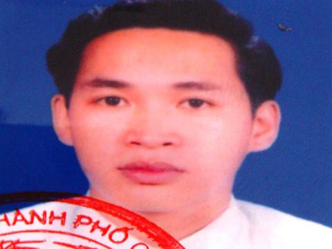 Ảnh Nguyễn Trung Hiếu trong lệnh truy nã của Công an TP Cần Thơ (Nguồn: Thanh Niên)