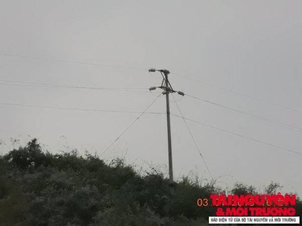 Một số chủ đầu tư nhà máy thủy điện tại tỉnh Điện Biên như ngồi trên đống lửa vì sắp đi vào hoạt động nhưng không có mạng lưới điện Quốc gia đã được phê duyệt để đấu nối. Ảnh: Doãn Hưng.