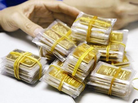 Khách hàng tố chưa nhận 3 lượng vàng nhưng Eximbank khẳng định đã tất toán từ năm 2013. (Nguồn: Dân Việt)