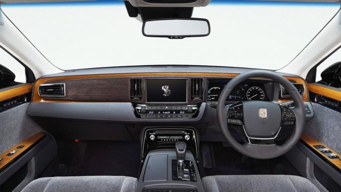 Toyota Century 2018: 'Rolls-Royce' Nhật Bản, ngang giá siêu xe