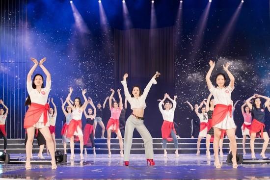 Ráo riết tập luyện cho đêm chung khảo phía Nam tại sân khấu Trung tâm hội nghị Quốc tế FLC Quy Nhơn