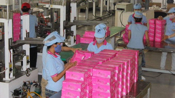 Ngoài mặt hàng chủ yếu là khăn giấy đang được bán thông qua thương hiệu Bless You, Giấy Sài Gòn cũng sản xuất giấy vệ sinh và bìa carton. (Nguồn: VnEconomy)