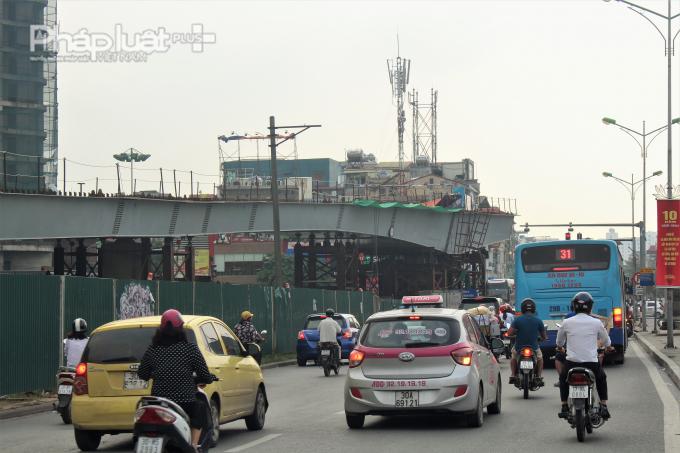 Cầu vượt An Dương được xây dựng với kỳ vọng nhằm giải quyết ùn tắc giao thông cho 2 quận Ba Đình, Tây Hồ