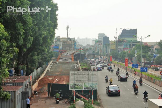 Dự án xây dựng cầu vượt nút giao An Dương đang bị chậm 1 tháng so với kế hoạch tiến độ