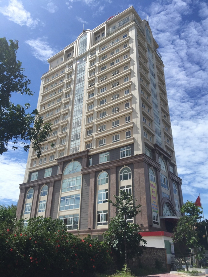 Ruby Tower 54 căn hộ chung cư có diện tích từ 53 – 82m² và 3 căn hộ Penthouses với diện tích từ 188 – 244 m².