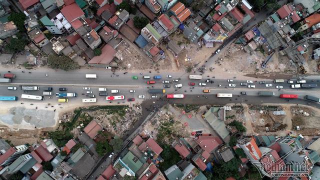 Nhiều thửa đất trên địa bàn phường Cổ Nhuế 2 bị biến dạng, không còn vuông vắn khiến cho nhiều ngôi nhà có hình dạng kỳ dị mọc lên. (Ảnh: Vietnamnet)