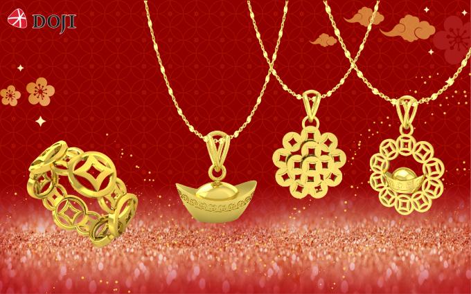 Hàng loạt những sản phẩm nhưnhẫn, vòng cổ, lắc có thiết kế hình đồng tiền, thỏi vàng, lợn con... là quà tằng mang lại may mắn cho các cặp đôi