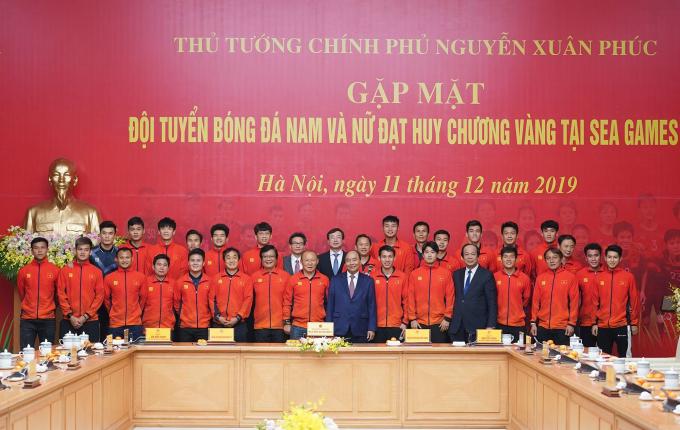 thu tuong gap go hai doi bong.