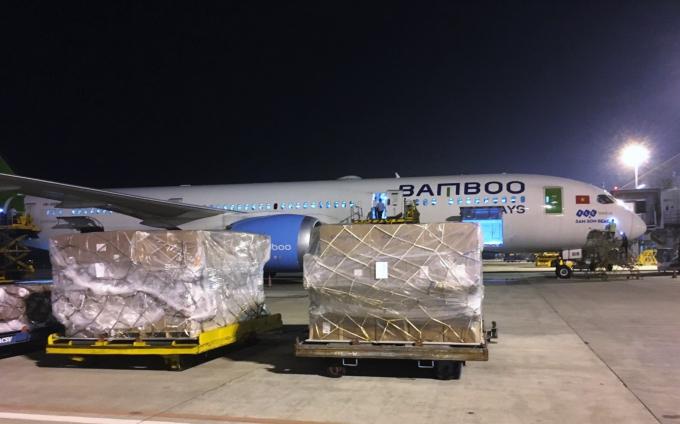 Ngày 14/10 (giờ địa phương), chuyến bay chở hàng trên khoang khách mang số hiệu QH468 của Bamboo Airways khởi hành từ Hà Nội đã hạ cánh xuống Sân bay Quốc tế Incheon