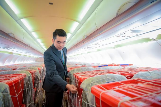 Bamboo Airways khẩn trương ưu tiên chuẩn bị cho chuyến bay, cũng như điều động các cán bộ dạn dày kinh nghiệm để phục vụ chuyến bay