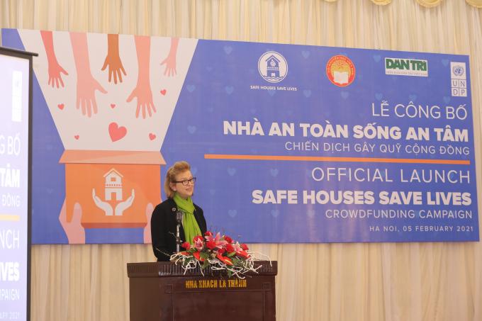 Bà Caitlin Wiesen, Trưởng đại diện thường trú UNDP tại Việt Nam, phát biểu khai mạc