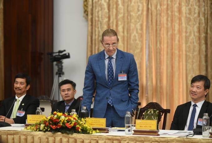 Ông Dominic Scriven, Chủ tịch Công ty Dragon Capital: Định hướng nền kinh tế Việt Nam đến 2045 nên tập trung ngay từ bây giờ vào 3 vấn đề thiên thời, địa lợi, nhân hòa. Ảnh: VGP/Quang Hiếu
