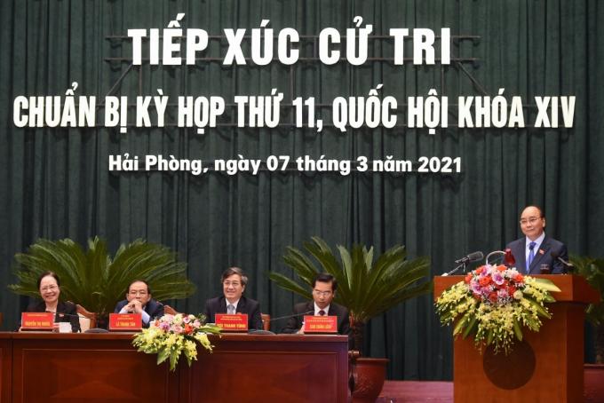 Thủ tướng Nguyễn Xuân Phúc tiếp xúc cử tri tại Hải Phòng (Ảnh: VGP)