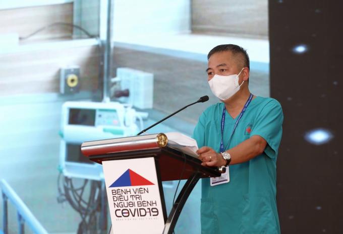 PGS.TS Nguyễn Lân Hiếu- Giám đốc BV ĐH Y Hà Nội phát biểu tại Lễ khánh thành BV điều trị Covid-19 Y Hà Nội.