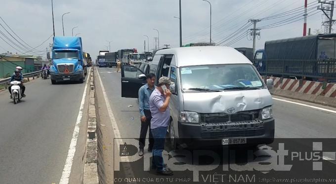 Liên tiếp 2 vụ va chạm xảy ra tại cầu Bình Thuận