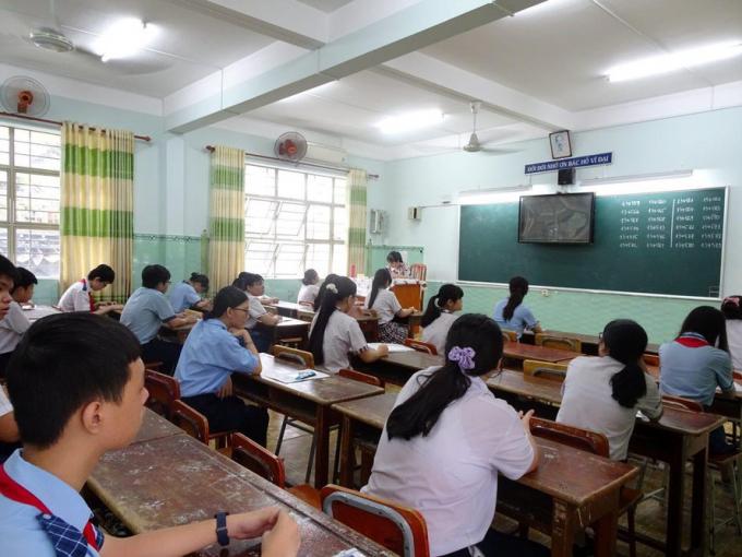 Thí sinh tham dự kỳ thi tuyển sinh lớp 10 năm học 2020- 2021