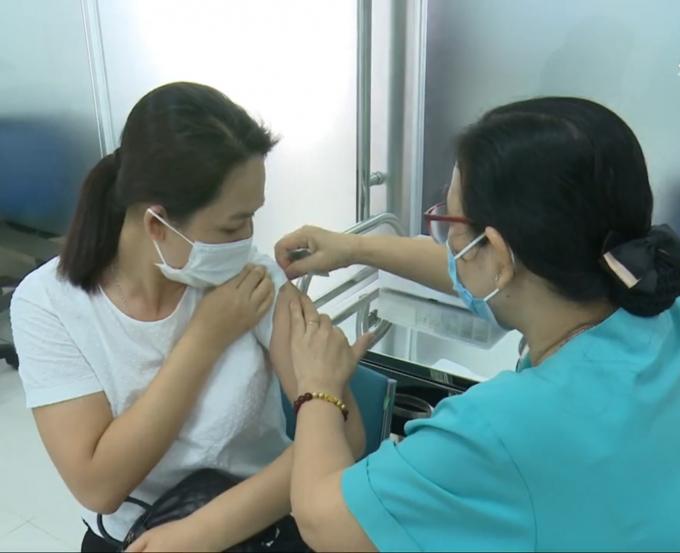 Bộ phận thường trực đặc biệt của Bộ Y tế hỗ trợ TP HCM phòng, chống dịch COVID-19 đã làm việc cùng Sở Y tế TP HCM về việc xây dựng kế hoạch và các công tác chuẩn bị triển khai chiến dịch tiêm chủng 800.000 liều Vaccine phòng COVID-19 trên địa bàn TP HCM.