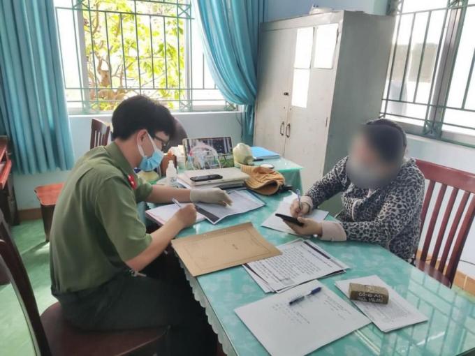 Vừa qua, Công an tỉnh Bà Rịa – Vũng Tàu đã ra quyết định xử phạt đối với 2 cá nhân đã cung cấp, chia sẽ thông tin sai sự thật trên mạng xã hội với số tiền hơn 12 triệu đồng.