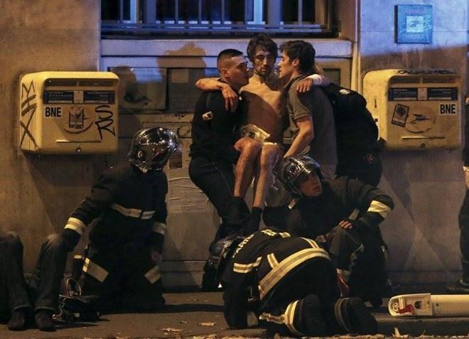 Vụ khủng bố tại Paris khiến nhiều người thiệt mạng và bị thương (ảnh Internet)