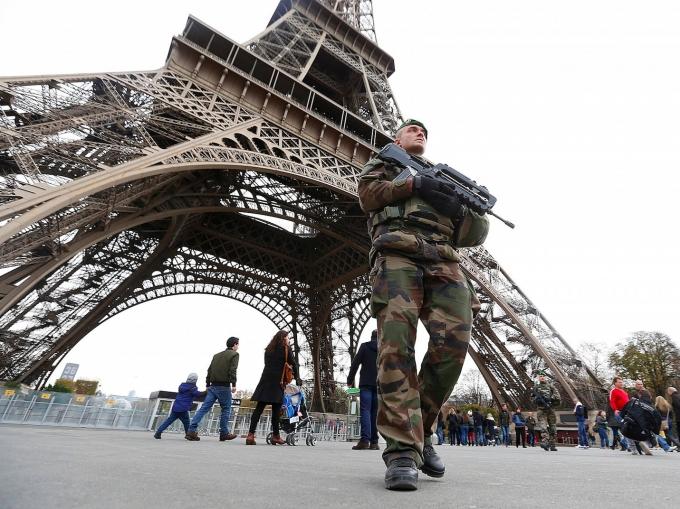 Sau khủng bố Pháp tăng cường lực lượng an ninh ở khắp mọi nơi.(ảnh Internet)
