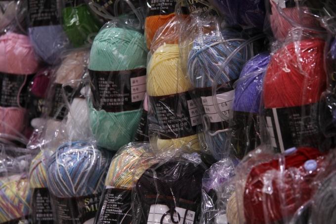 Cuộn len đủ sắc màu dành cho các tín đồ handmade