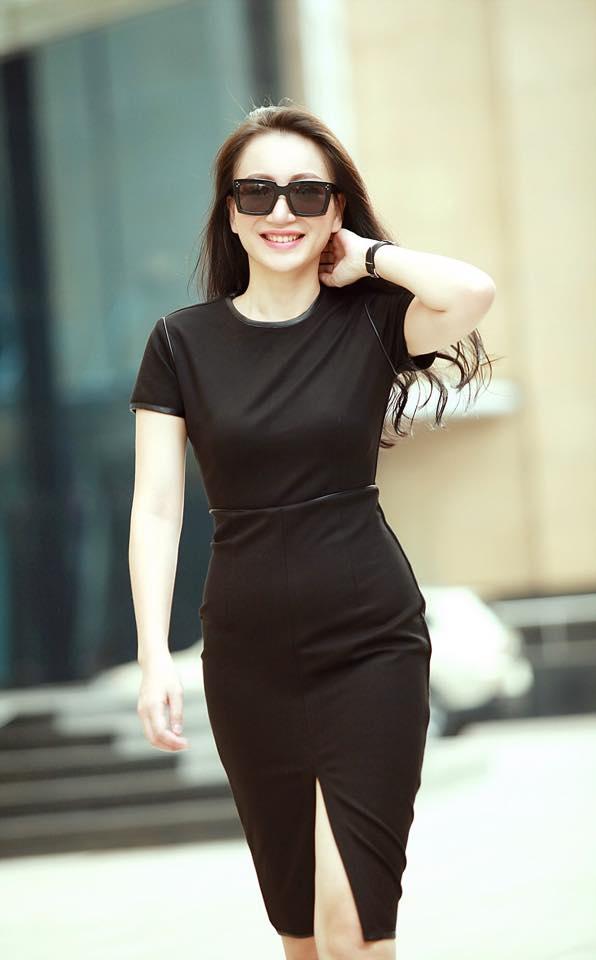 Hầu hết, các trang phục Kỳ Anh Trang mặc đều do cô tự thiết kế.